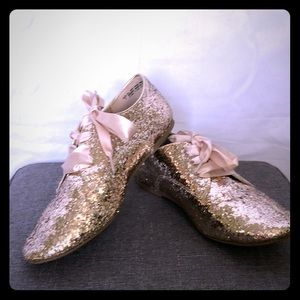 Gold glitter shoes youth size 2(used) & size 3NWT